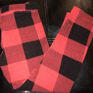🛍Red & black plaid leggings